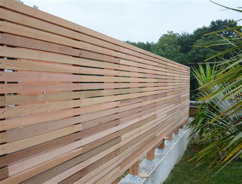 palissade brise vue en c 232 dre par l atelier etienne bois