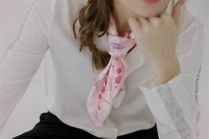 Comment Nouer Une Cravate : shandor journal tutoriel comment nouer son foulard ~ Melissatoandfro.com Idées de Décoration