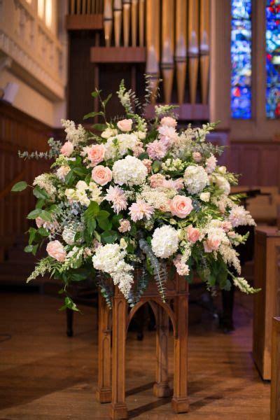 elegant summer st louis wedding   wedding flowers
