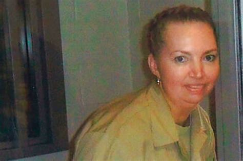 Federal judge halts Lisa Montgomery's execution after ...