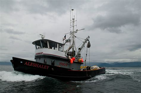 Alaskan Fishing Boat Captain by What It S Like To Work On A Commercial Fishing Boat In Alaska