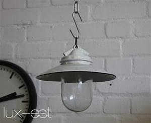 Lampen Klassiker Bauhaus : vista s i industrie design bauhaus lampe lux est ~ Indierocktalk.com Haus und Dekorationen