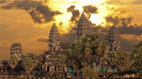 singapore restores  year  hindu temple world news