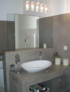renovation d39une salle de bain en resine d39epoxy With peindre une baignoire en resine