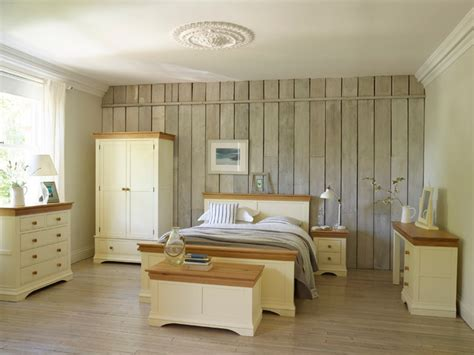 Country Cottage Bedroom