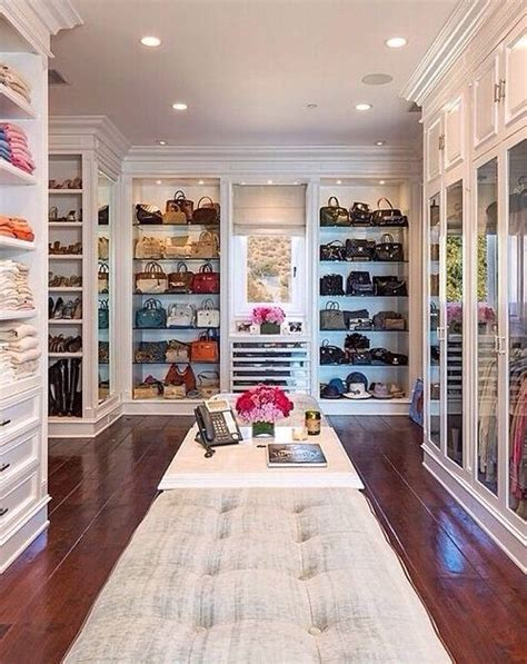 Big Closets by Best 25 Dressing Room Decor Ideas On Makeup