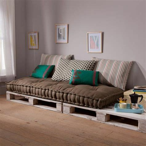matelas pour canapé palette coussin pour canape palette maison design bahbe com