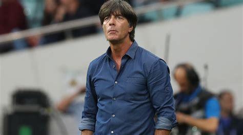 Jetzt soll es der turniertrainer in ihm bei der. Germany boss Joachim Loew embraces World Cup favourites ...