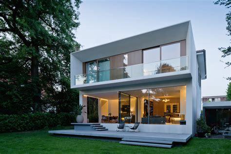 Am Haus Anbauen by Haus Mit Anbau Indoo Haus Design