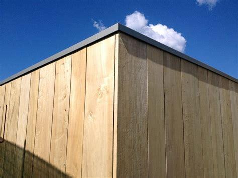rivestimento pareti esterne in legno pioppo naturale con doghe di diversa larghezza