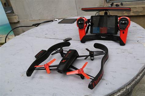 Drone Volante Con Telecamera by Parrot Bebop Drone Annunciata La Terza Generazione Di