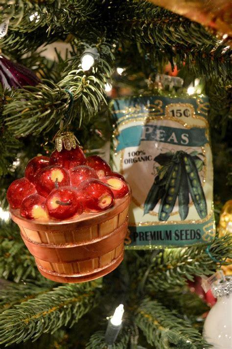 christmas tree inspiration  bronners christmas