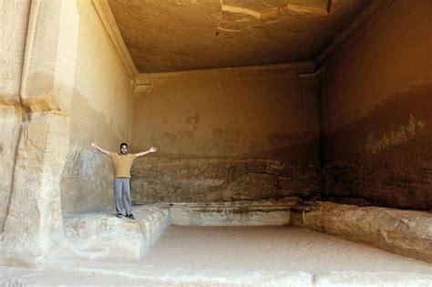 giant cut  square picture  madain saleh