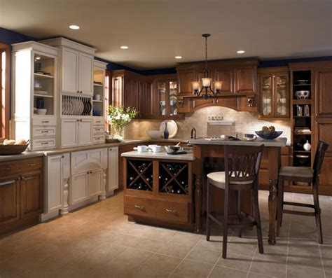 Cream Cabinets with Glaze   Kemper Cabinetry