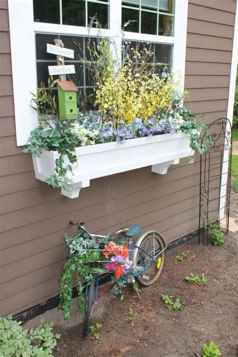 remodelaholic   build  window box planter   steps
