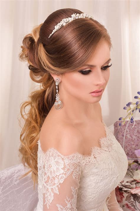 choosing perfect hairstyle match wedding dress