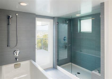 gruende warum der fussboden unter der dusche quietscht