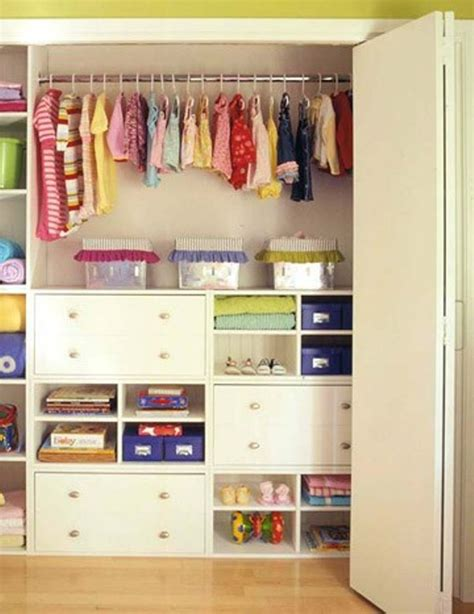 10 modern kids closets organized to put a room in order