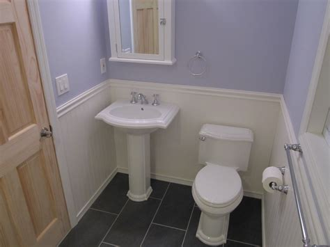 Wainscoting Bathroom Surripuinet