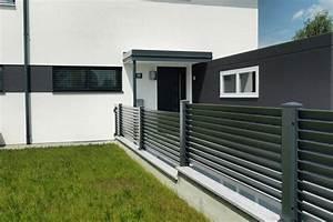 Aluminium Zaun Modern : aluminum fencing ideas stylish house exterior design ~ Articles-book.com Haus und Dekorationen