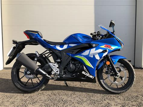suzuki gsx  cc sports bike  suzuki   finance