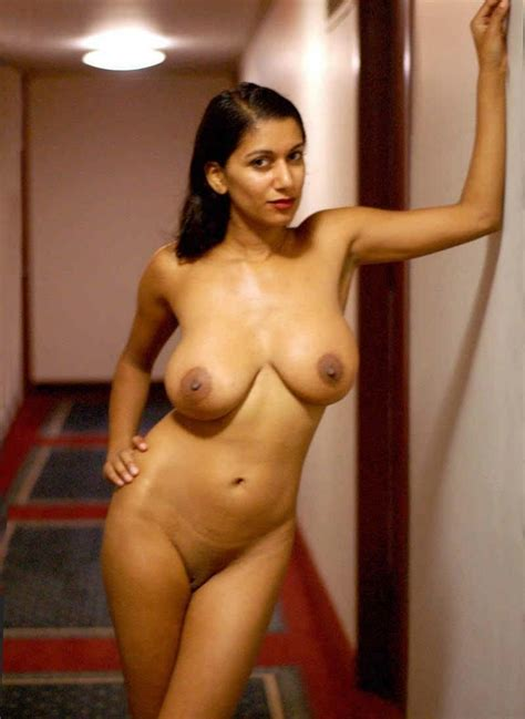 Pretty Desi Milfs And Teens Provocative Photo Collection