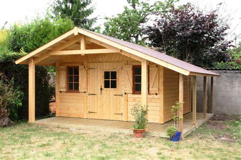abri de jardin en bois milly 4 00mx4 00m avec b 251 cher et auvent cerisier abris de jardin en