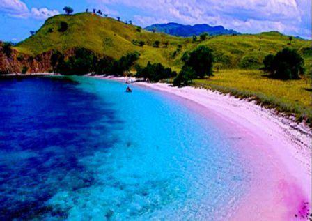 pantai terindah  indonesia  wajib dikunjungi