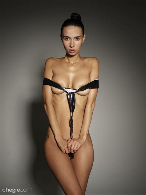 Dita In Fashion Bondage By Hegreart Photos Erotic Beauties