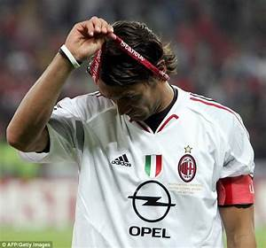 Carragher reveals how he got Maldini's shirt in 2005 after ...