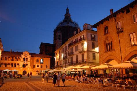 Line Pavia 3 by File Pavia Piazza Vittoria Panoramio Jpg Wikimedia