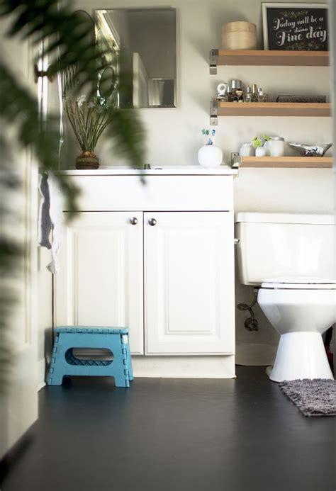 apartment fixes mini bathroom   contact paper