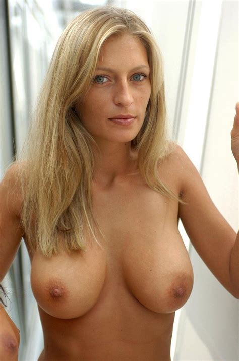 Blonde Thirtysomething With Nice Boobs Milf Luscious