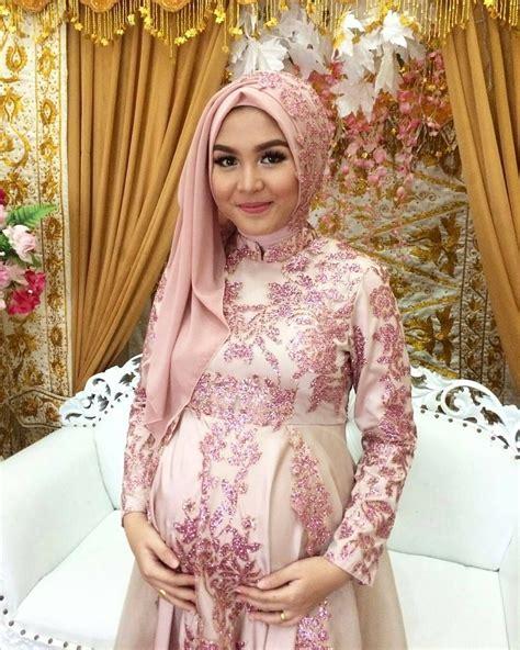 inspirasi kebaya ibu hamil atgebrinaa makeup hijab
