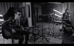 "Arctic Monkeys ""Do I Wanna Know?"" Live Acoustic ..."