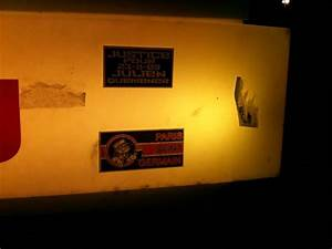 Station Essence Marseille : photo de stickers colle dans la rue ou autre ~ Dode.kayakingforconservation.com Idées de Décoration