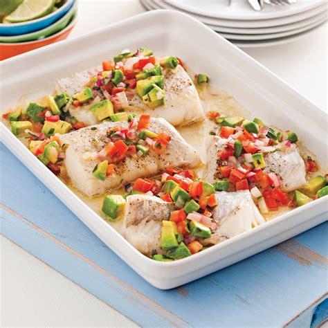 cuisiner poisson surgelé poisson à la salsa tiède de tomates et avocat recettes