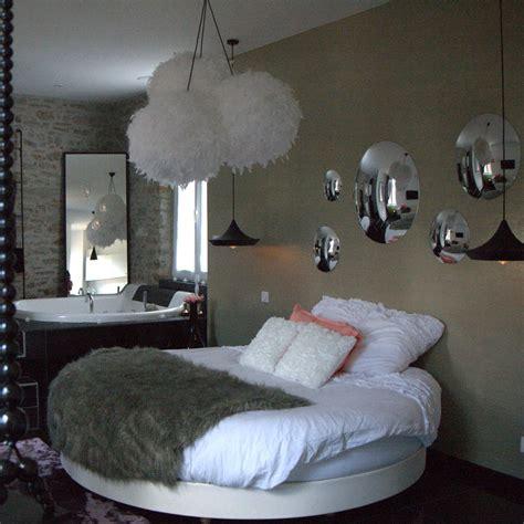 chambre avec lit noir decoration chambre avec lit rond
