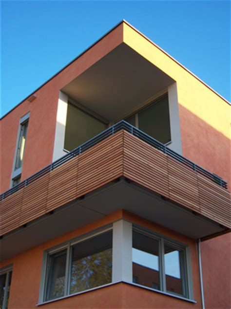 balkongeländer holz modern balkongel 228 nder holzgel 228 nder br 252 stung terrassengel 228 nder