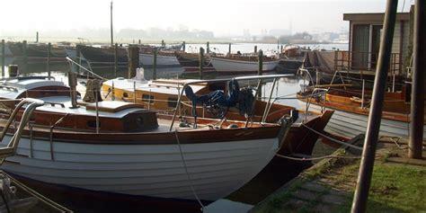 Ligplaats Titanic by Boten Weer Te Water Kroes Bootbouwers