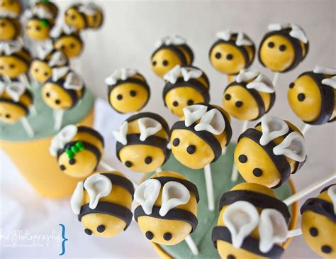 Bumble Bee Baby Shower / Baby Shower