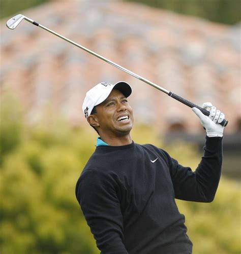 U.S. Open: Tiger Woods struggles while Graeme McDowell ...