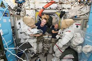 Kentucky Students Talk Live with NASA Astronauts on Space ...