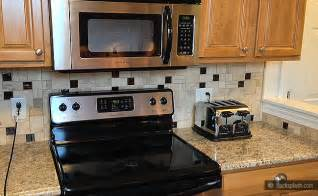 kitchen backsplash ideas with santa cecilia granite santa cecilia granite travertine backsplash backsplash com