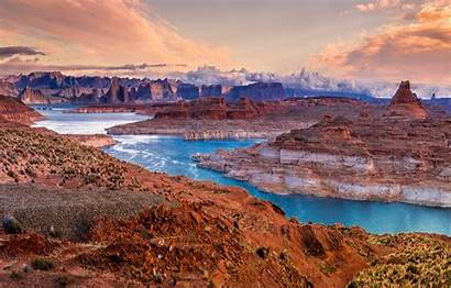 Usa Canyon Nature Park Chelly Lake Scenery