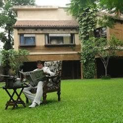 Photos Of Aaradhya & Amitabh Bachchan's Three Houses In