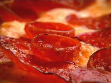 Round Table Pizza Triple Play Pepperoni - YouTube