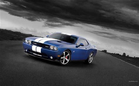 Blue And White Look-dodge Challenger Srt8 392 2012 Models