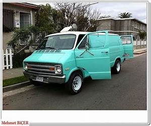 1977 Dodge Tradesman Surf Van