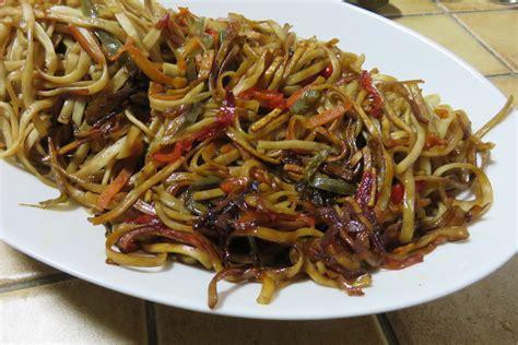 cuisiner nouilles chinoises nouilles sautees aux legumes sweetmemory